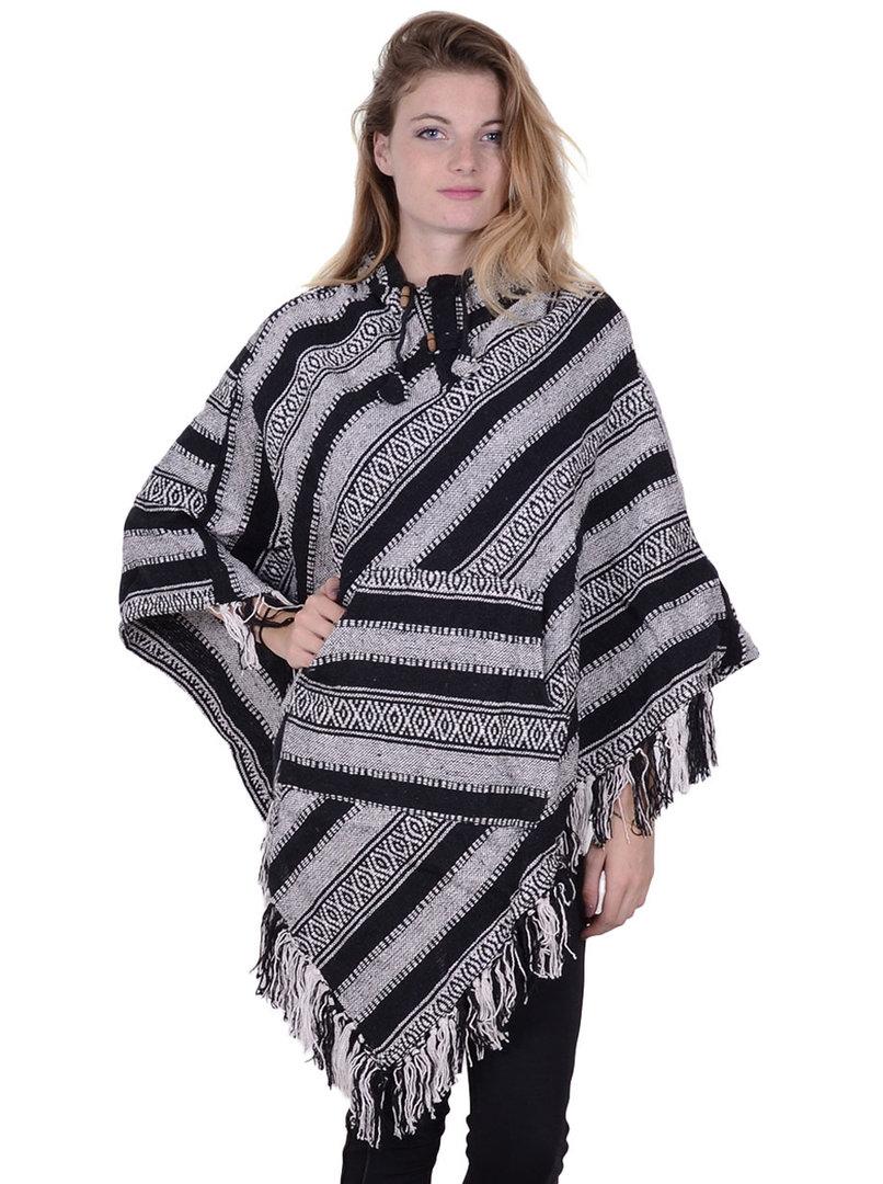 988b3559fd6 Poncho pointu tradition noir et blanc